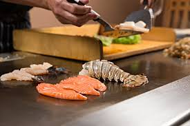 This image has an empty alt attribute; its file name is teppanyaki.jpg